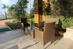Удобни маси и столове от изкуствен ратан
